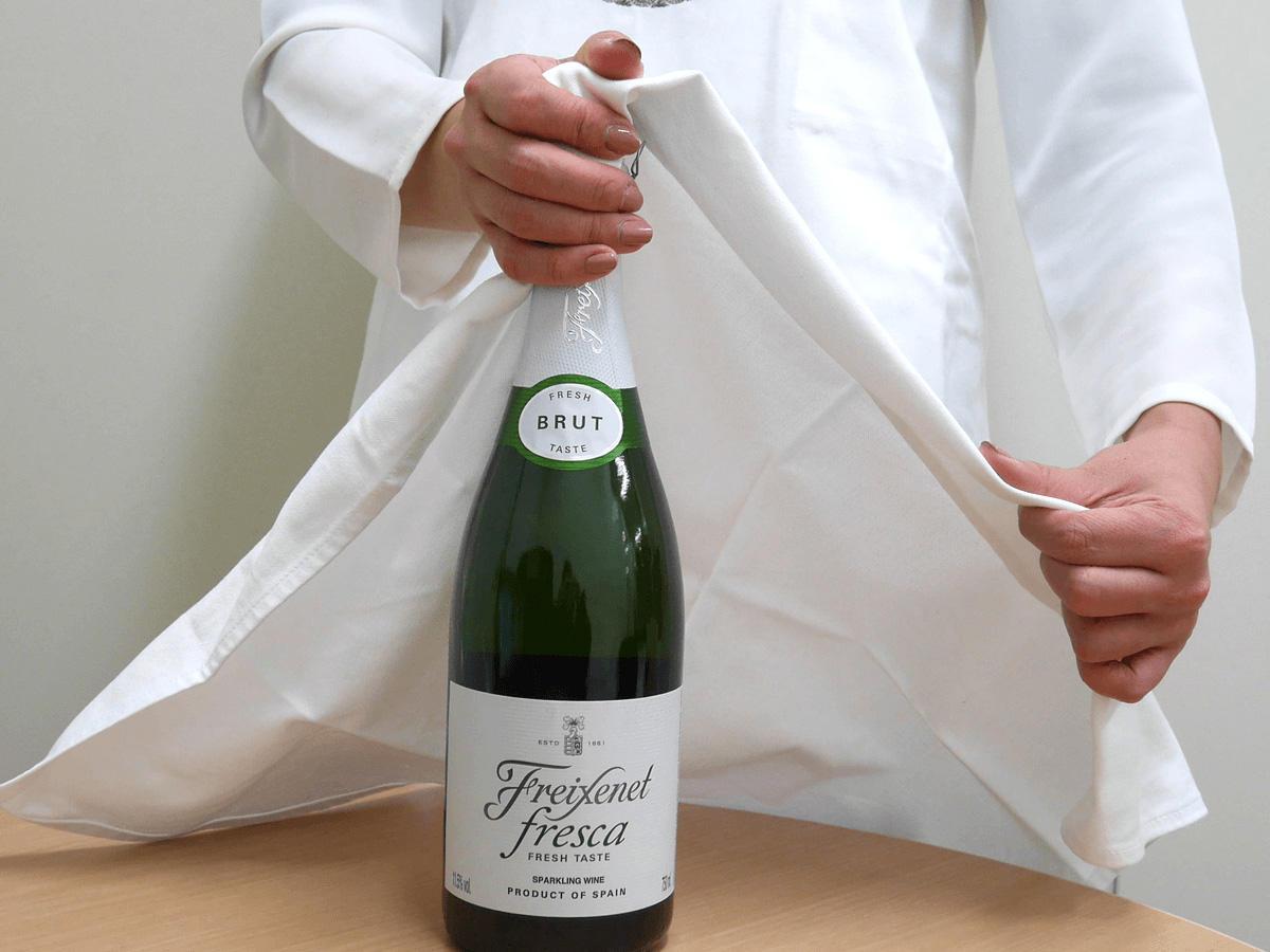 シャンパン、スパークリングワインの開け方