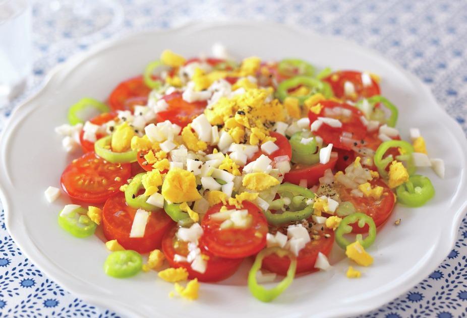 トマトとライムホルンのサラダ