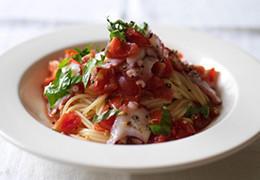 フレッシュトマトソースパスタ
