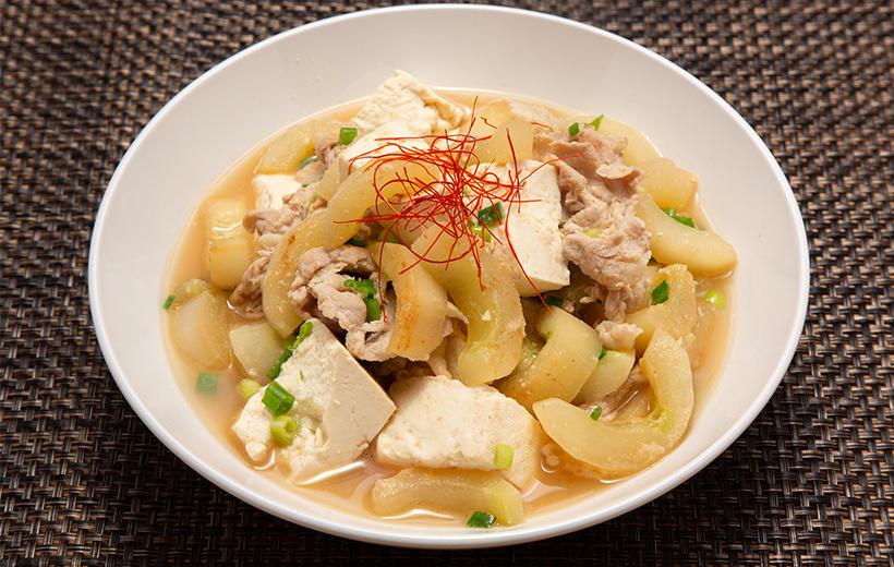 真夏の金うりの沖縄風味噌煮
