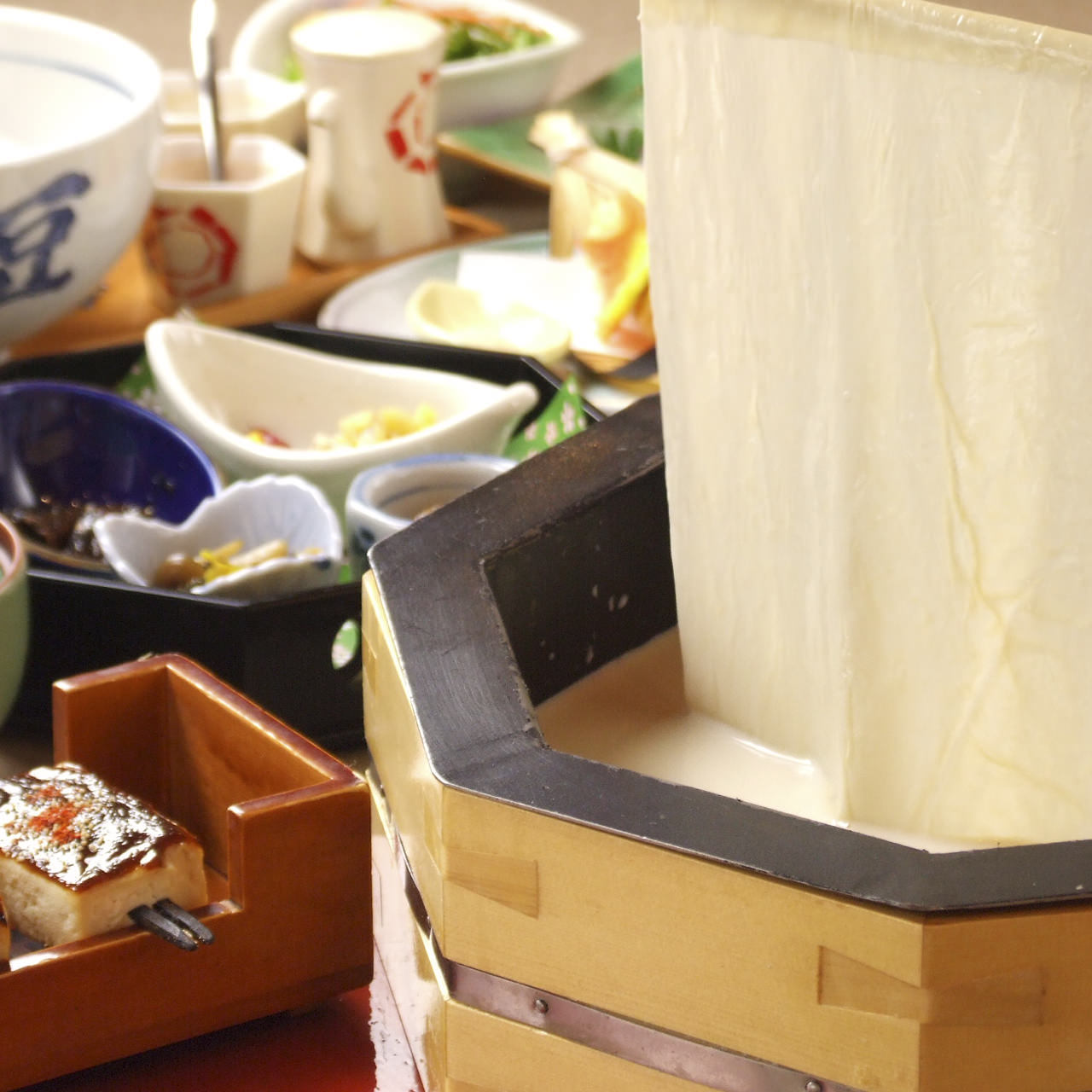 豆富料理と吟醸蒸し 八かく庵 名古屋セントラルタワーズ店のイメージ写真