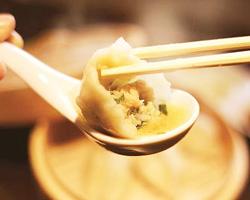 肉汁水餃子 餃包のイメージ写真