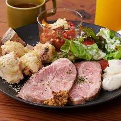横浜駅周辺_good spoon pizzeria&cheese 横浜モアーズ店_写真6