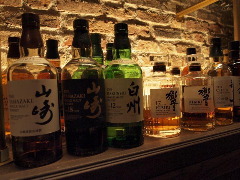 表参道 バー かくれ が tokyo whisky library
